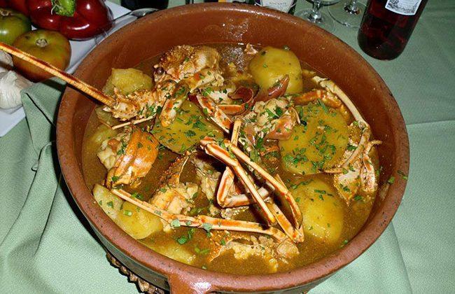 caldereta-de-langosta-en-restaurante-de-Alicante-la-Almadraba-isla-Tabarca