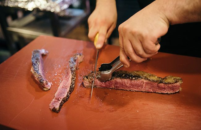 carnes-exclusivas-en-asador-restaurante-la-Taberna-en-el-puerto-de-Alicante