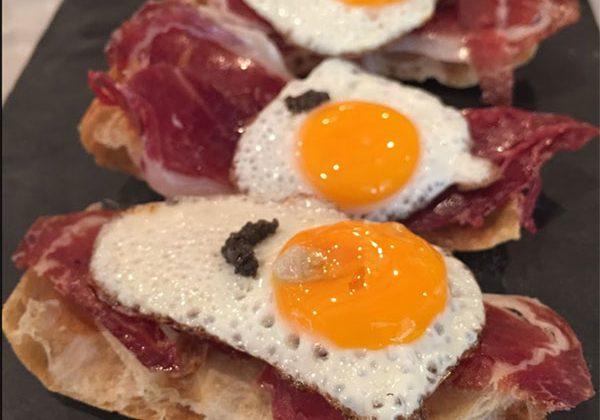 tostas-y-tapas-en-restaurante-Piripi-Alicante